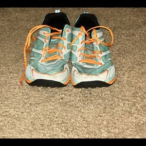 Topo Running Shoe Sz 9